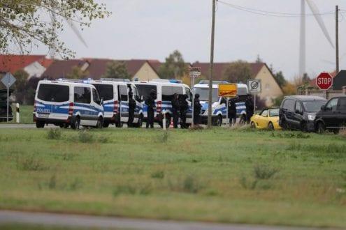 Europa - Ataque a tiros em frente a sinagoga deixa dois mortos na Alemanha