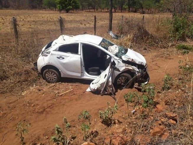 Norte de Minas - PM aposentado morre em acidente de carro no Norte de Minas