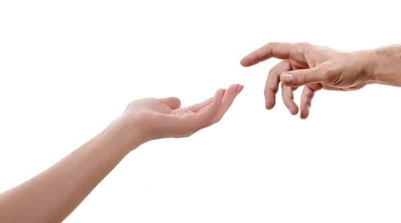 A cada 1 hora, cinco pessoas ferem as mãos e punhos em acidente de trabalho