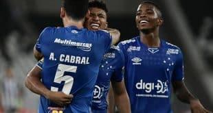 Brasileirão 2019 - Raposa bate o Botafogo no Rio