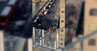 Homem é preso após esfaquear pessoas em ponte famosa de Londres
