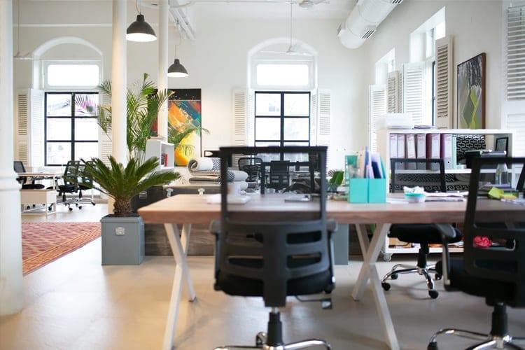 As principais diferenças entre cadeiras de escritório