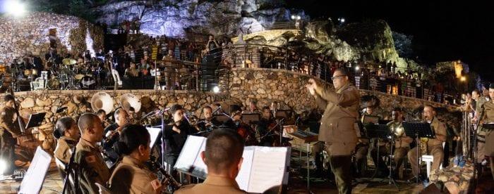 Norte de Minas - Bandas de Música da 11ª RPM e do CAM realizam Cantata de Natal em Grão Mogol