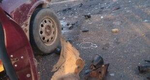 Norte de Minas - Carros batem de frente e motoristas em Itacarambi