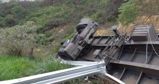 Norte de Minas - Caminhoneiro morre em acidente em Grão Mogol