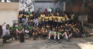 Atletas do América Vôlei visitam projeto social JABS