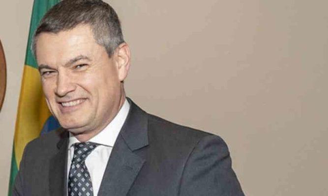 Bolsonaro exonera Valeixo do cargo de diretor-geral da PF