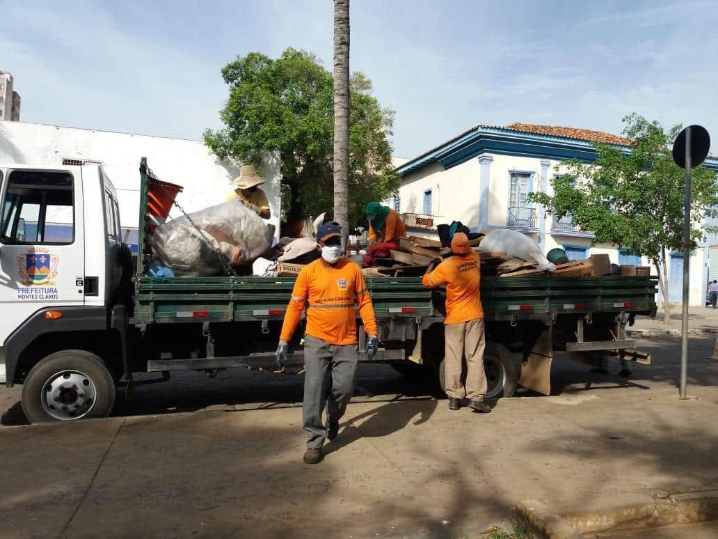 Montes Claros - Prefeitura de Montes Claros realiza ação social e de limpeza na Praça da Matriz