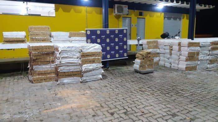 Norte de Minas - PRF apreende cerca de cinco toneladas de maconha no Norte de Minas