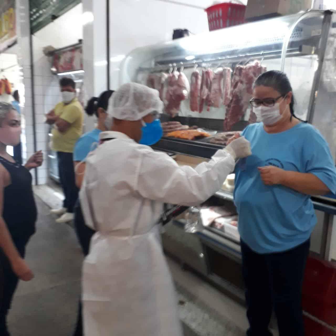 Montes Claros - Prefeitura de Montes Claros faz trabalho de prevenção ao coronavírus no Mercado Municipal