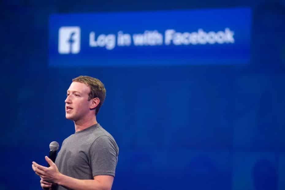 Mark Zuckerberg, sócio-fundador do Facebook, enfrenta boicote global de anunciantes por causa da política considerada insuficiente contra fake news e mensagens de ódio racial
